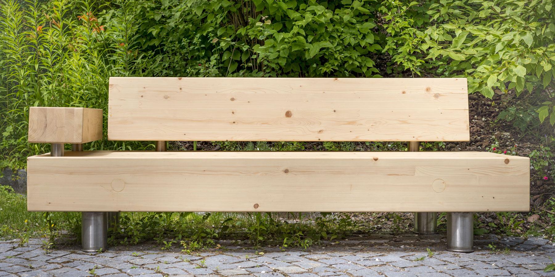 Holzbänke: KONRAD BRUNNER GMBH | Sägewerk & Palettenerzeugung | Zwettl